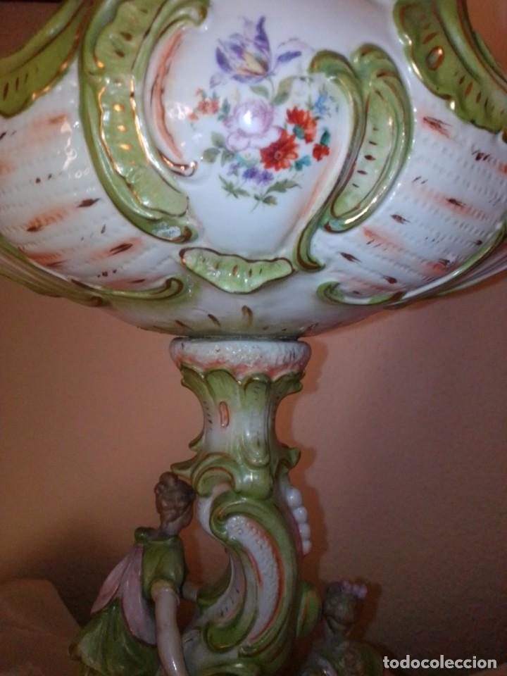 Antigüedades: Antiguo gran centro de porcelana modernista, finales del siglo XIX. - Foto 18 - 243348605