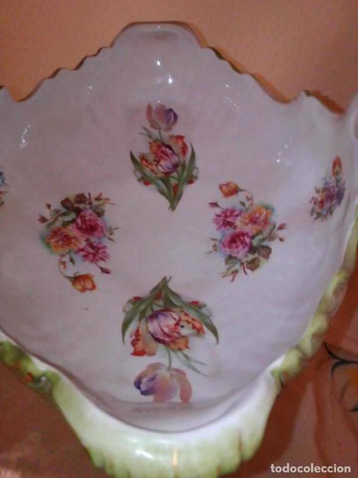 Antigüedades: Antiguo gran centro de porcelana modernista, finales del siglo XIX. - Foto 24 - 243348605
