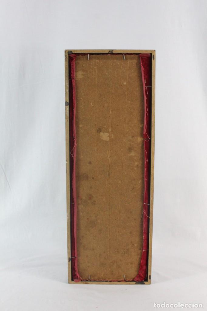 Antigüedades: Labor de bordado sobre seda. Enmarcada. ca 1900 - Foto 7 - 243349665