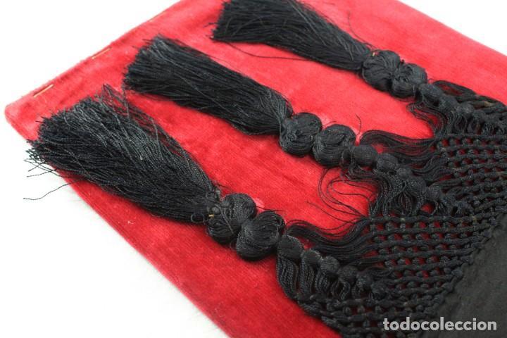 Antigüedades: Labor de bordado sobre seda. Enmarcada. ca 1900 - Foto 11 - 243349665