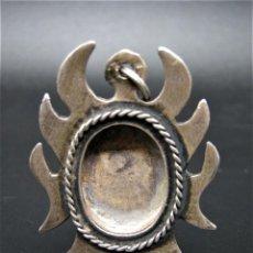 Antigüedades: RELICARIO PLATA SIGLO XVIII, SOLO MARCO. Lote 243421095