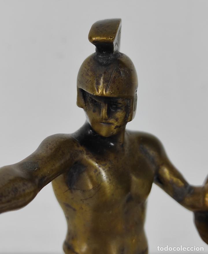Antigüedades: Escultura - Soldado Espartano con Escudo - Figura en Bronce - Peana de Mármol - Foto 3 - 243524060