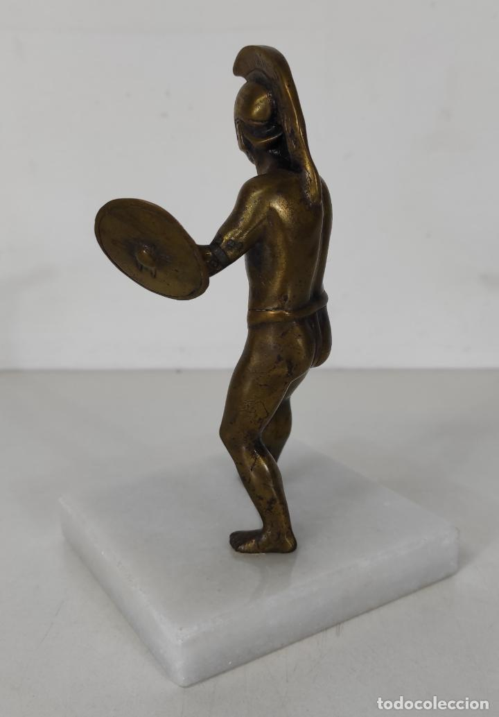 Antigüedades: Escultura - Soldado Espartano con Escudo - Figura en Bronce - Peana de Mármol - Foto 5 - 243524060