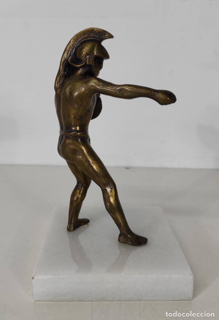 Antigüedades: Escultura - Soldado Espartano con Escudo - Figura en Bronce - Peana de Mármol - Foto 10 - 243524060