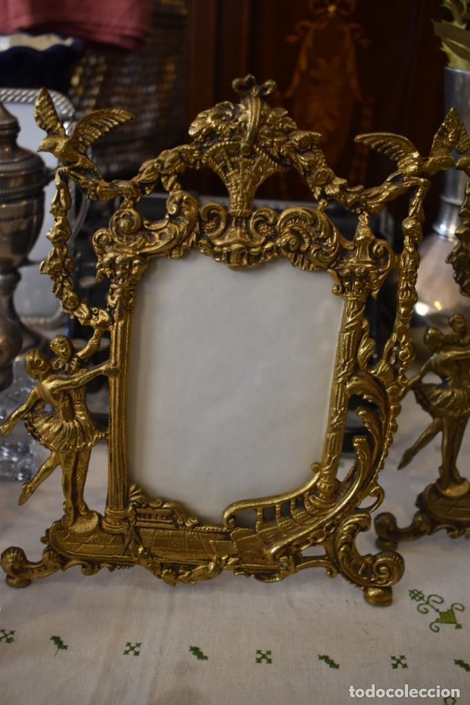 Antigüedades: LOTE DE 3 PORTAFOTOS DE BRONCE - Foto 10 - 243554745