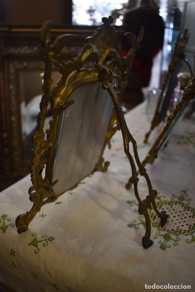 Antigüedades: LOTE DE 3 PORTAFOTOS DE BRONCE - Foto 11 - 243554745
