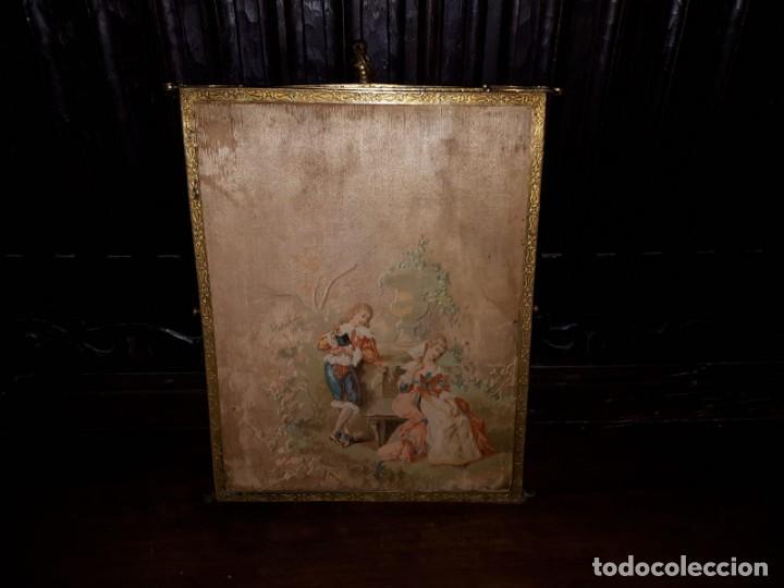 Antigüedades: MUY ANTIGUO ESPEJO DE VIAJE TRÍPTICO CON DECORACIÓN DE ESCENAS ROMÁNTICAS - Foto 3 - 243604775