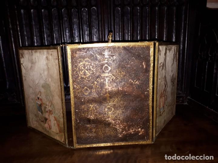 Antigüedades: MUY ANTIGUO ESPEJO DE VIAJE TRÍPTICO CON DECORACIÓN DE ESCENAS ROMÁNTICAS - Foto 5 - 243604775