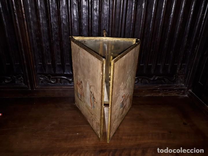 Antigüedades: MUY ANTIGUO ESPEJO DE VIAJE TRÍPTICO CON DECORACIÓN DE ESCENAS ROMÁNTICAS - Foto 7 - 243604775
