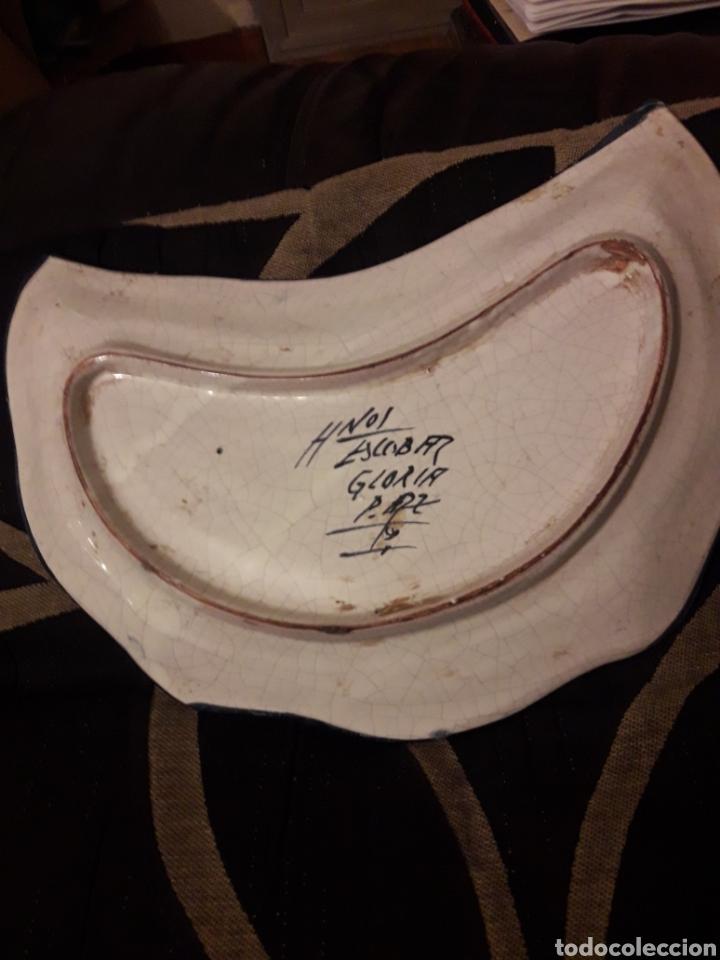 Antigüedades: Original bandeja de cerámica de Puente del Arzobispo, pintada a mano - Foto 3 - 243656325