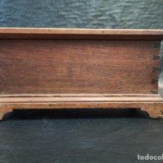 Antigüedades: ANTIGUA ARQUETA DE MADERA DE CASTAÑO. COFRE. A1. Lote 243802335