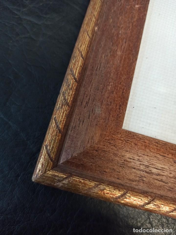 Antigüedades: Inicial bordada enmarcada en madera. PF - Foto 5 - 243804435