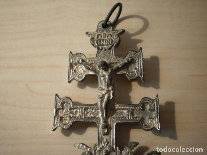 Antigüedades: Cruz de Caravaca grande de metal - Foto 6 - 243861570
