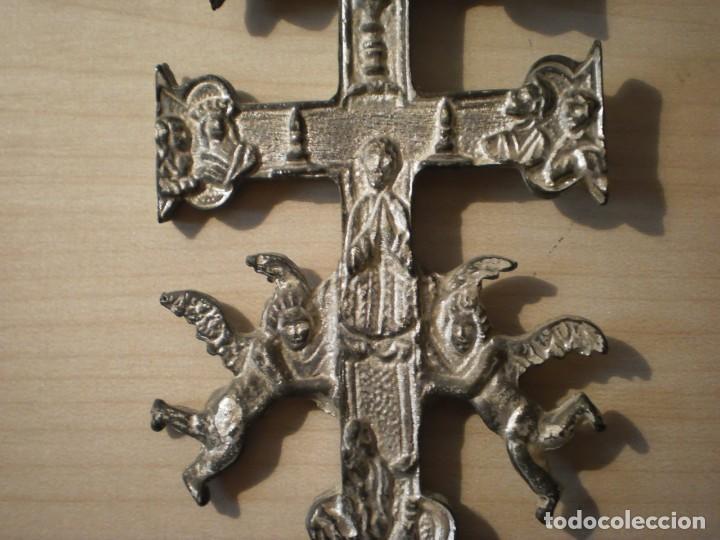 Antigüedades: Cruz de Caravaca grande de metal - Foto 9 - 243861570
