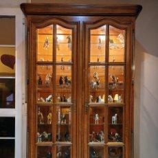 Antigüedades: VITRINA MADERA CEREZO. Lote 243918820