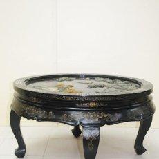 Antigüedades: MESA ANTIGUA ORIENTAL DE MADERA NEGRA LACADA. Lote 243968855