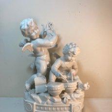 Antigüedades: FIGURA PORCELANA- ESPAÑA- ALGORA- ÁNGELES MÚSICOS CON PEANA.. Lote 243980720