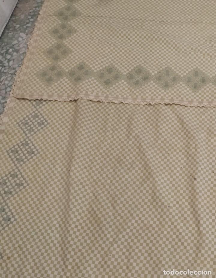 Antigüedades: 4 antiguas piezas de cortina y tapetes, o camino, cubre estanterías, muebles, bordados a mano,borlas - Foto 3 - 244012765