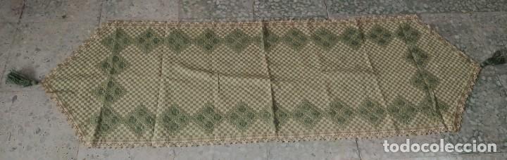 Antigüedades: 4 antiguas piezas de cortina y tapetes, o camino, cubre estanterías, muebles, bordados a mano,borlas - Foto 5 - 244012765
