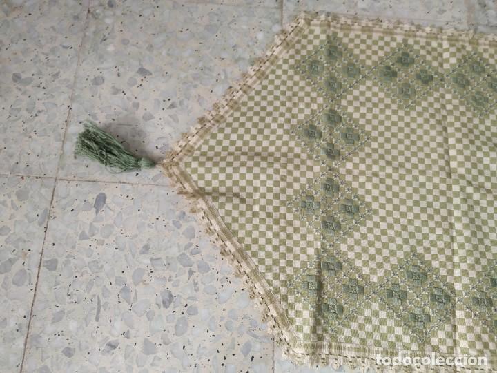 Antigüedades: 4 antiguas piezas de cortina y tapetes, o camino, cubre estanterías, muebles, bordados a mano,borlas - Foto 8 - 244012765