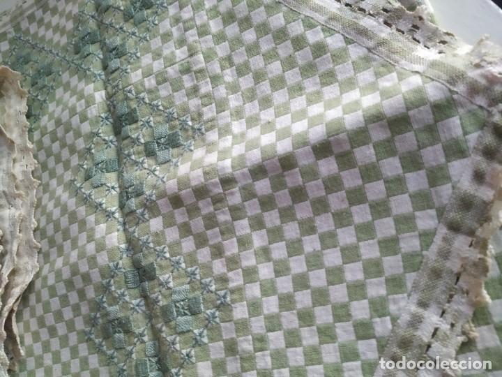 Antigüedades: 4 antiguas piezas de cortina y tapetes, o camino, cubre estanterías, muebles, bordados a mano,borlas - Foto 12 - 244012765