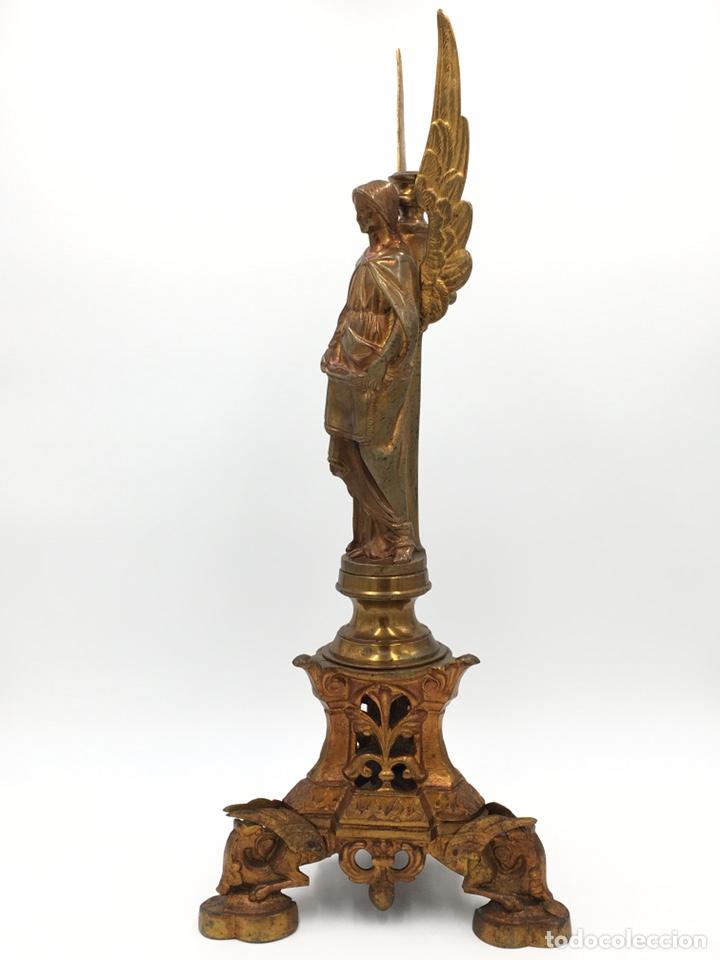 Antigüedades: CANDELERO ANTIGUO DE BRONCE DORADO - SIGLO XIX - Foto 5 - 244017465