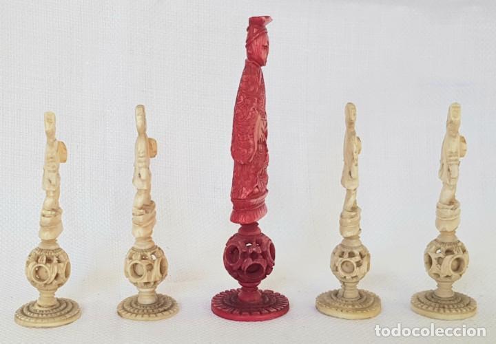 Antigüedades: ANTIGUAS 5 PIEZAS DE MARFIL DE AJEDREZ CON BOLAS DE CANTON CHINA PUZZLE BALL CHESS PIECES - Foto 3 - 244027420
