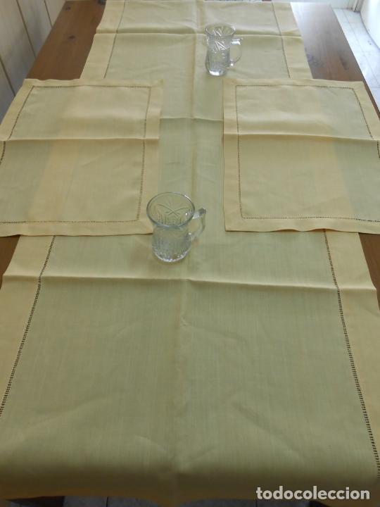 MANTEL TIPO CAMINO Y TU Y YO.LINO PURO 100% COLOR VAINILLA 50 X 150 CM + 2 X 30 X 45 CM.NUEVO (Antigüedades - Hogar y Decoración - Manteles Antiguos)