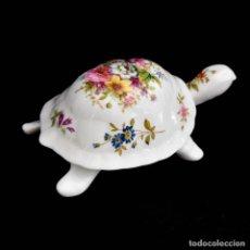 Antigüedades: HAMMERSLEY FINE BONE CHINA - HERMOSA CAJA TORTUGA DE PORCELANA. Lote 244313565