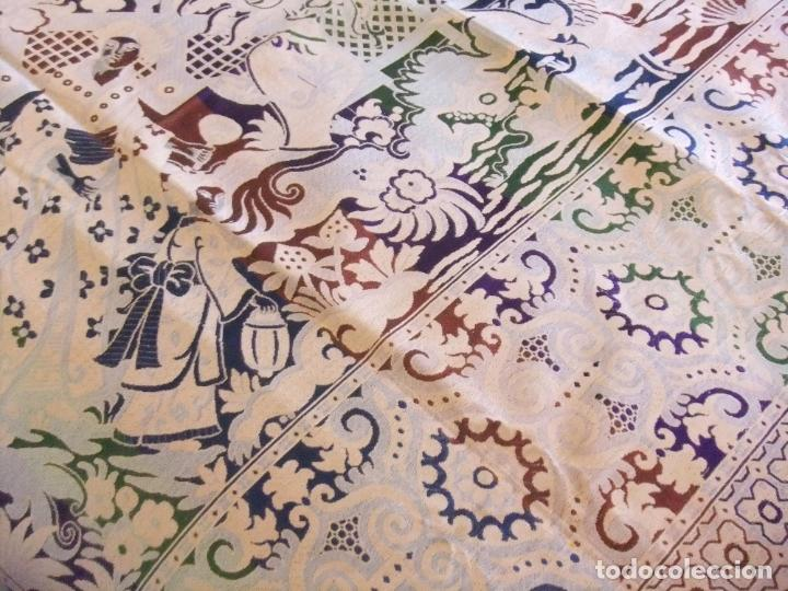 Antigüedades: MAGNÍFICA COLCHA EN JACQUARD DE SEDA CON MOTIVOS ORIENTALES DE PRINCIPIOS. S XX - Foto 11 - 244400630