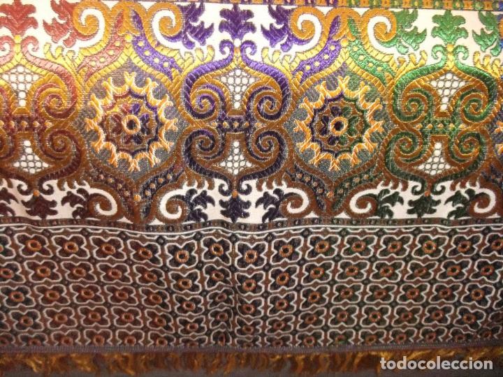 Antigüedades: MAGNÍFICA COLCHA EN JACQUARD DE SEDA CON MOTIVOS ORIENTALES DE PRINCIPIOS. S XX - Foto 13 - 244400630