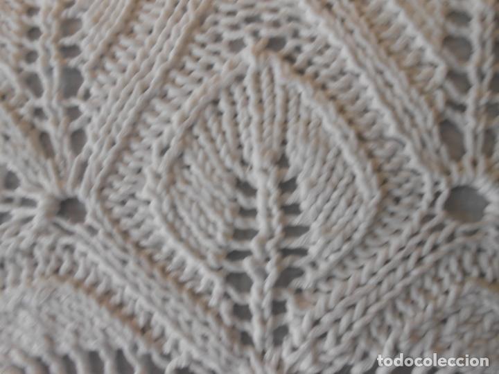Antigüedades: Funda cojin ,hecho a mano de punto y ganchillo. Algodon BEIGE CLARO 45 x 45 cm. Nuevo - Foto 10 - 244402835