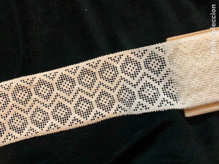 Antigüedades: 4 metros de encaje o puntilla x 8 cms de ancho. Preciosa e impecable - Foto 6 - 244403090
