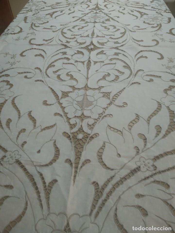 MANTEL BORDADO CANARIO TIPO RICHELIEU (Antigüedades - Hogar y Decoración - Manteles Antiguos)