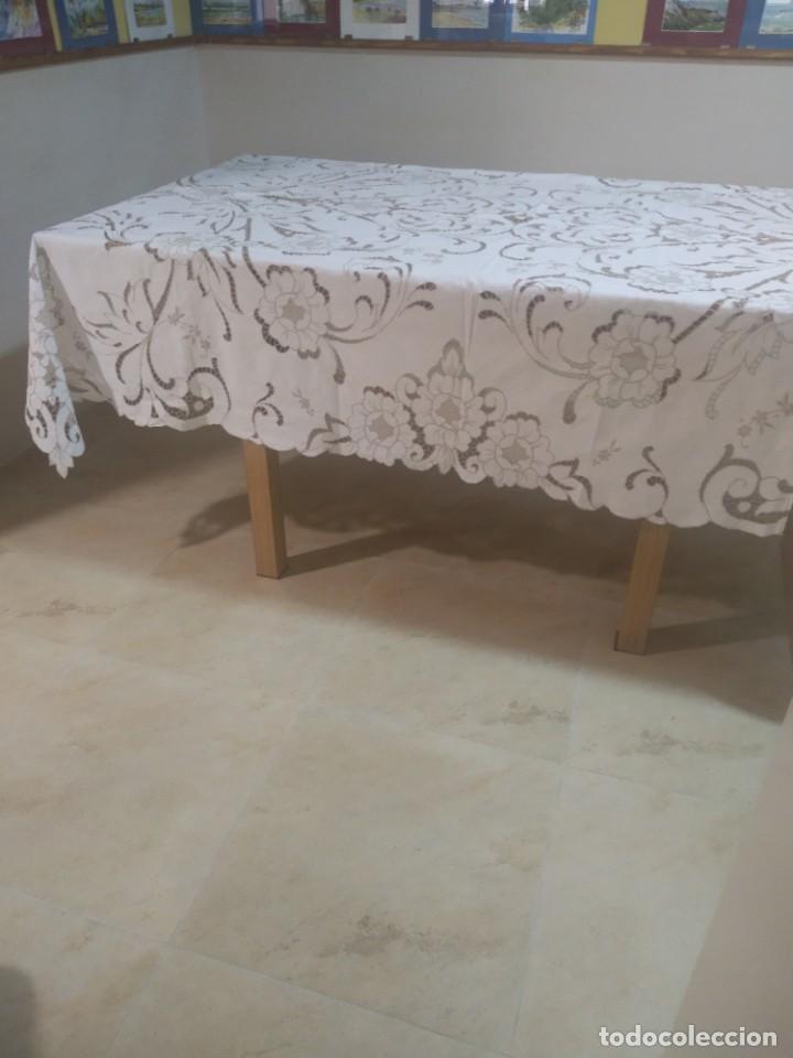 Antigüedades: Mantel bordado canario tipo richelieu - Foto 3 - 244447235