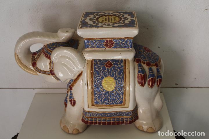 ELEFANTE AZUL Y BLANCO PORCELANA CHINA ESTATUA DE JARDÍN TABURETE JARDINERA (Antigüedades - Hogar y Decoración - Jardineras Antiguas)