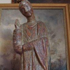 Antigüedades: TALLA DE MADERA ROMANICA SAN JUAN APOSTOL SIGLO XIII 69CM. Lote 244507565