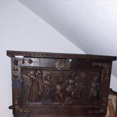 Antigüedades: BARGUEÑO DE MADERA NOBLE ESTILO RENACIMIENTO S XIX. Lote 244509495