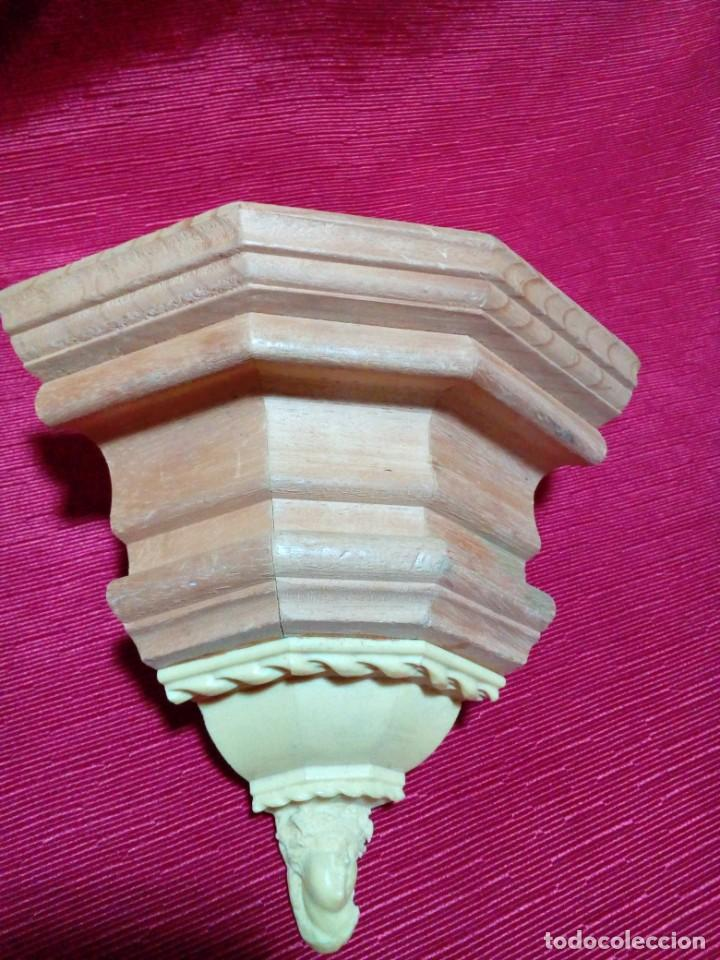 MENSULA DE MADERA Y RESINA (Antigüedades - Muebles Antiguos - Ménsulas Antiguas)