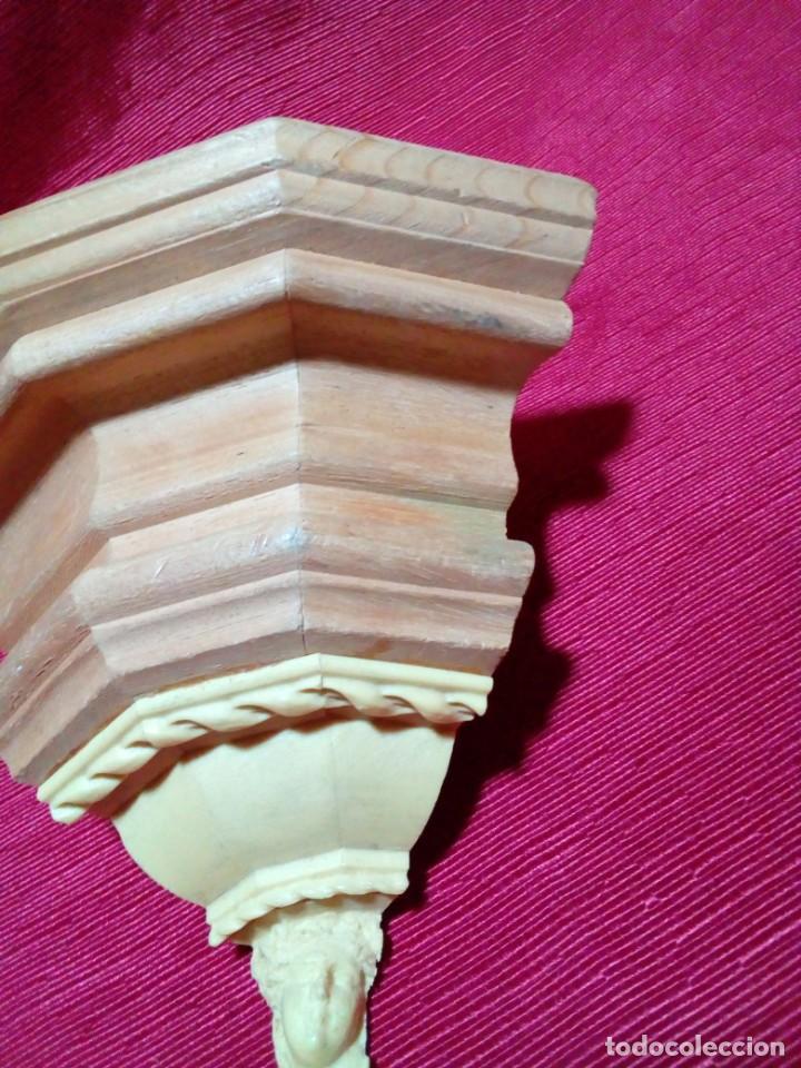 Antigüedades: MENSULA DE MADERA Y RESINA - Foto 3 - 244541700