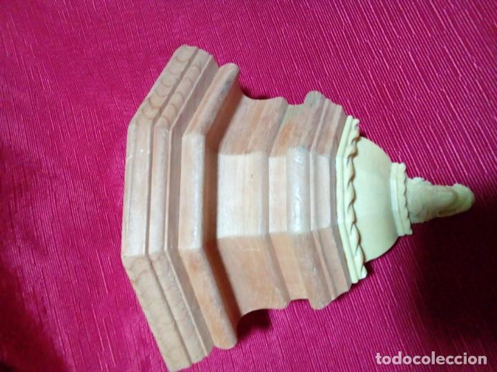 Antigüedades: MENSULA DE MADERA Y RESINA - Foto 5 - 244541700
