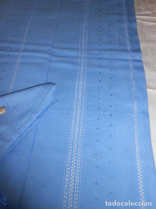 Antigüedades: Manteleria con 6 servilletas.Bordado a mano,dibujo mil bodoques .Azul claro 100 x 150 cm.Nuevo - Foto 11 - 244549065