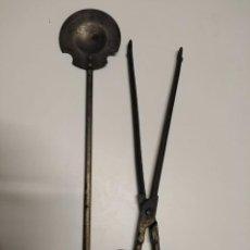 Antigüedades: CONJUNTO DE HERRAMIENTAS PARA BRASERO ANTIGUOS. Lote 244635885