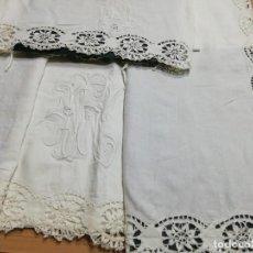 Antigüedades: * SABANA DE LINO BORDADA A MANO. 1,80M.(RF:LL-43/G). Lote 244651020