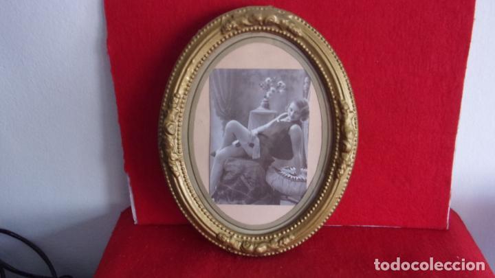 MARCO DE MADERA ,AÑOS 20,CAMBIADO LA FOTO,HAY FOTOS DEMONTADO (Antigüedades - Hogar y Decoración - Marcos Antiguos)