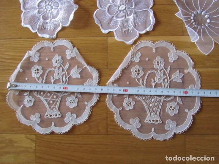 Antigüedades: Juego de delicados encajes de chantilly hechos a mano en Irlanda - Foto 11 - 244731830