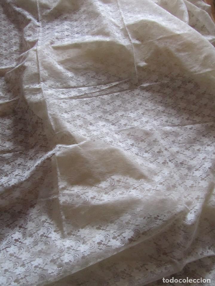 Antigüedades: Tela de encaje, pieza de 306 x 290 centímetros - Foto 4 - 244732850