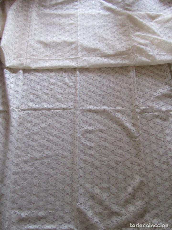 Antigüedades: Tela de encaje, pieza de 306 x 290 centímetros - Foto 5 - 244732850