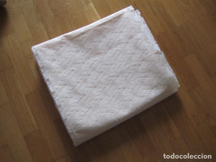 Antigüedades: Tela de encaje, pieza de 306 x 290 centímetros - Foto 8 - 244732850
