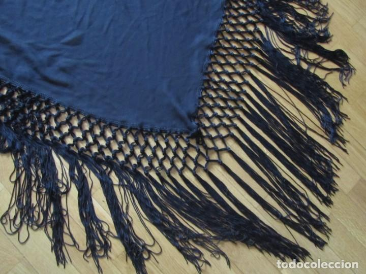 Antigüedades: Manton de manila triangular negro, sin bordados - Foto 2 - 244733535
